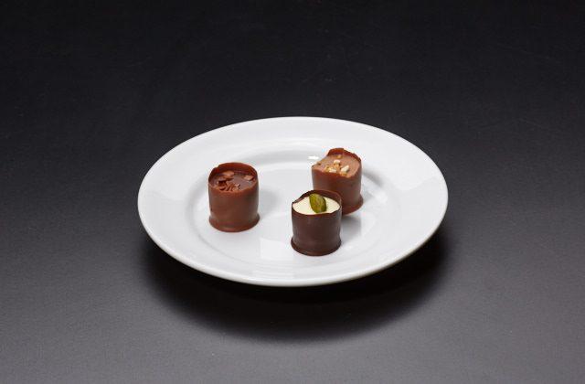 Tre chokladtryfflar